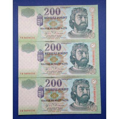 2004 200 forint FB 3 db sorszámkövető aUNC-UNC bankjegy Numizmatika - bankjegyek