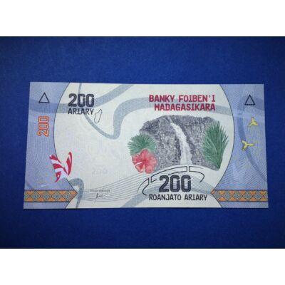 2017 Madagaszkár 200 Ariary UNC bankjegy. Sorszámkövető is lehet!